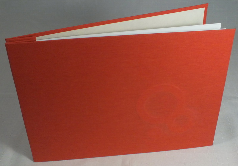 Buch mit verdeckten Buchschrauben
